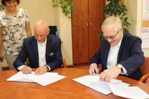 Podpisanie porozumienia pomiędzy Centrum Edukacji a ORLEN Laboratorium